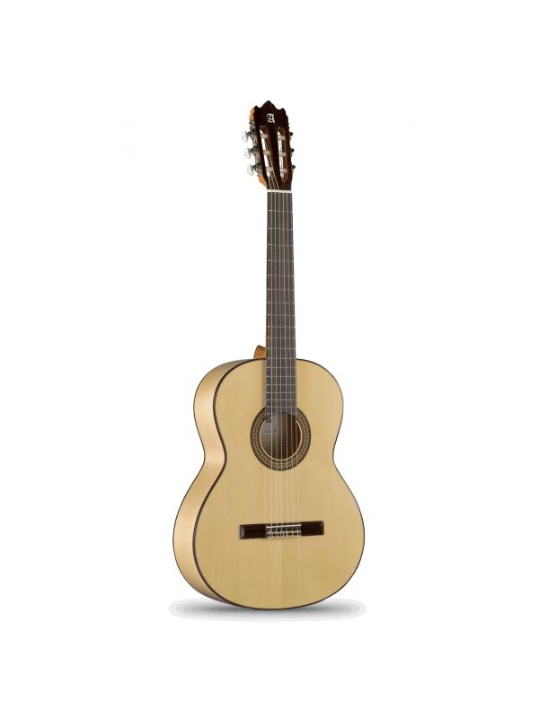 """GUITARRA FLAMENCA ALHAMBRA 3F - Un tono maravilloso, ligeramente más brillante en general que una guitarra clásica y con un sonido tremendo.  El rasgueo con esta guitarra suena de una manera sorprendente, muy flamenco, """"percusivo"""" y con buen volumen.  Además es una guitarra que define muy bien la melodía y los bajos, aún siendo  poderosos, están muy equilibrados."""
