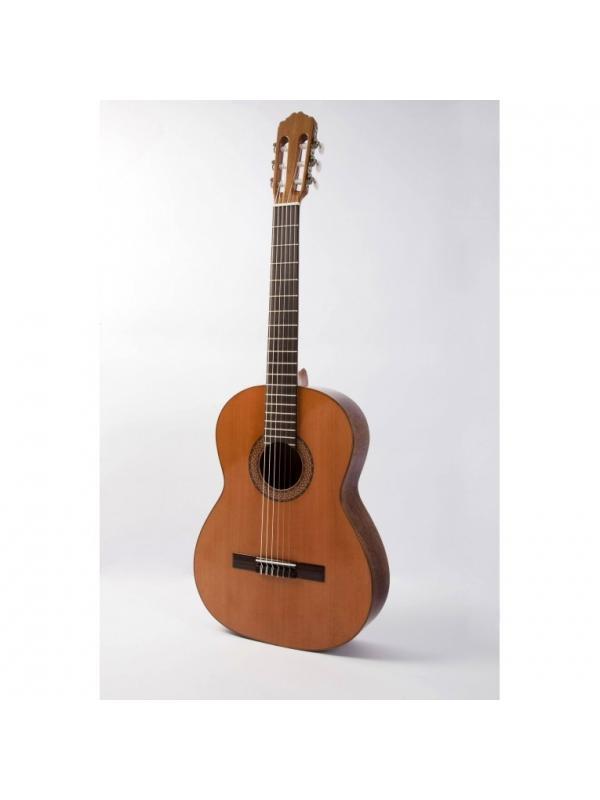 GUITARRA  RAIMUNDO MOD GR118 - Guitarra clásica  Raimundo  con tapa de Cedro