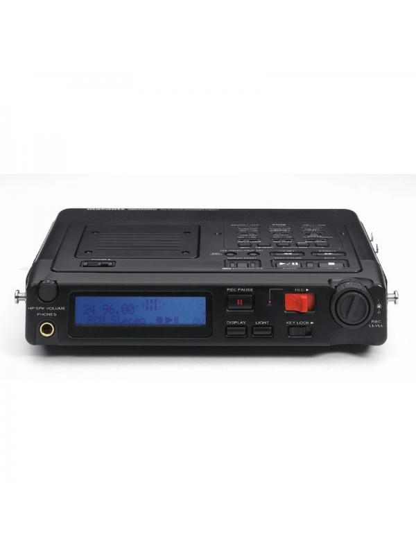 GRABADOR DIGITAL PORTÁTIL.MARANTZ PMD-671 - MARANTZ PMD-671 Equipo portátil que permite la grabación y reproducción de audio directamente en tarjetas de memoria compact fl ash (CF) y Microdrive.