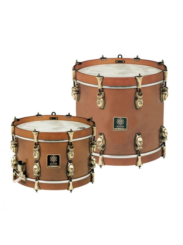 TAMBORES Y TIMBALES NP SAYON TINTADO OLD - Tambores Sayón del Sur Forrados con los herrajes acabados en Old de distintas dimensiones.
