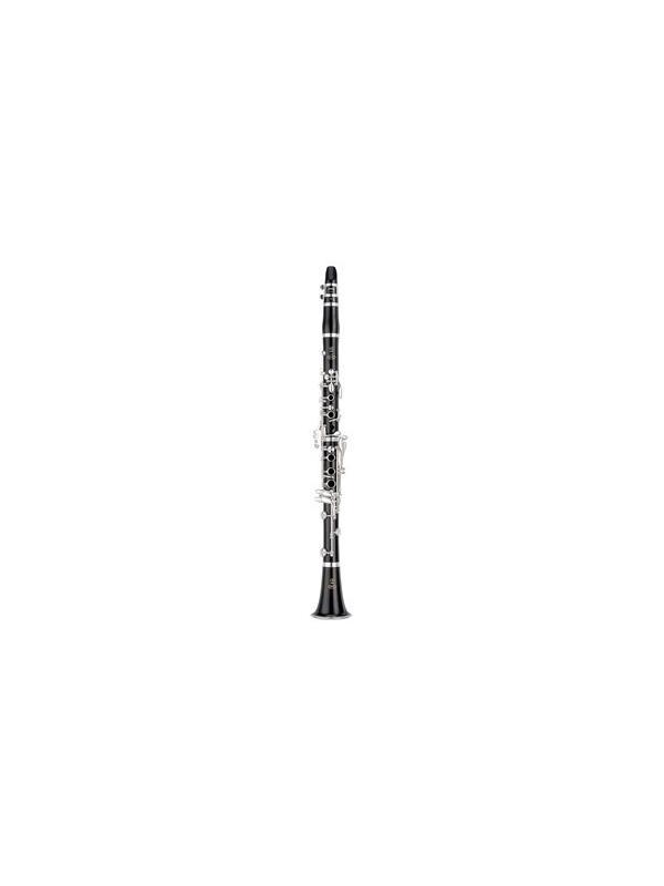 CLARINETE YAMAHA YCL 650 - Clarinete en si bemol de la serie Professional: clave: si bemol; barrilete de 65 mm, cuerpo de madera de granadilla, llaves con baño de plata, anillo de ajuste y boquillero con baño de plata.