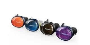 Bose SoundSport Free - Auriculares bluetooth realmente inalámbricos (sin cable entre ellos) diseñados especialmente para realizar actividades deportivas con calidad de sonido Bose. Protección IPX4. Autonomía 5 horas. Incluye funda de carga que proporciona 2 cargas adicionales .Un carga rápida de 15 minutos proporciona una autonomía de 45 minutos. Diseñados para optimizar la señal inalámbrica .Cubiertas Stay Hear+ para máxima estabilidad y confort con un material de silicona suave y una forma única que se acopla suavemente al oído. Ecualización optimizada por volumen que da un audio equilibrado a cualquier volumen. Un micrófono y mando en línea te permite un control sencillo del volumen, salto de canciones y responder llamadas sin tocar el teléfono. La App Bose Connect app te ayuda a gestionar tus dispositivos emparejados y te los busca si no los encuentras.