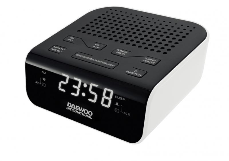 DESPERTADOR DAEWOO CON RADIO FM Y 2 ALARMAS